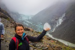 Fox Glacier a Helenka s kusem ledovce v ruce